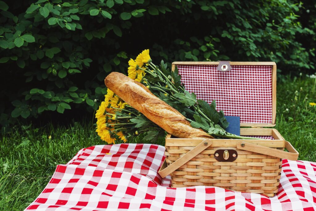 Baguette in picnic basket